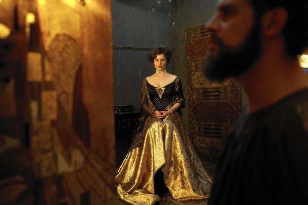 Adela Bloch-Bauer (Antje Traue). To właśnie jej wyobrażenie widnieje na najsłynniejszym obrazie pędzla Klimta