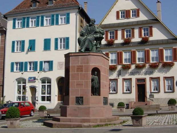 Pomnik Johannesa Keplera w Weir der Stadt. / Fot. Hans-Georg Urbin